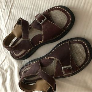 Brown's Landing New Leather ankle strap sandals